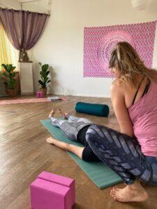 Jag erbjuder PT Yoga i Vinyasa Flow och Yinyoga